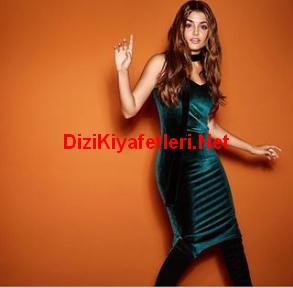 Siyah inci Hande Ercel Kadife Elbise