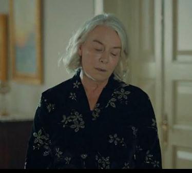 istanbullu Gelin 25 Bolum Esma Sultan Kimono