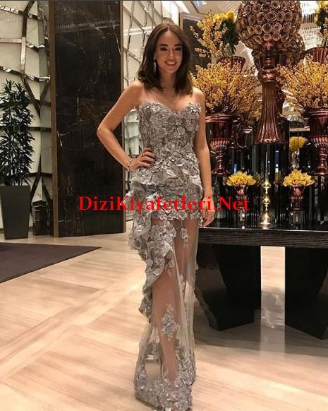 Arif v 216 Gala gecesi Seda Bakanin elbisesi