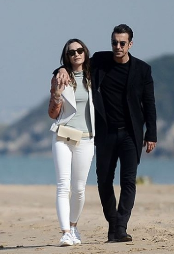Siyah Beyaz Ask 25 Bolum Asli beyaz pantolon