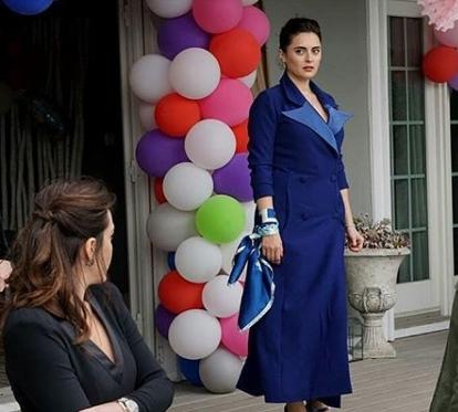 ufak tefek cinayetler 24 Bolum Merve mavi elbise