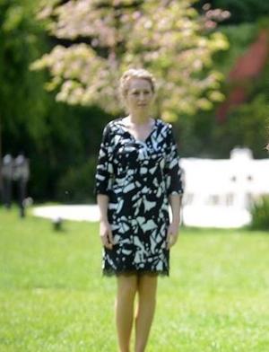 Siyah Beyaz Ask 29 Bolum Vildan siyah elbise