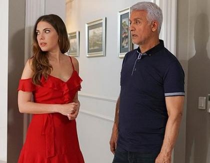 Yasak Elma 10 Bolum Yıldiz kırmızı elbise
