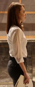 Zeynep beyaz gömlek