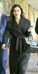 Şevval Sam siyah palto