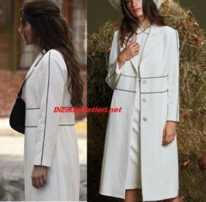 Vuslat Feride beyaz çizgili palto