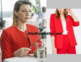 Zerrin kırmızı ceket