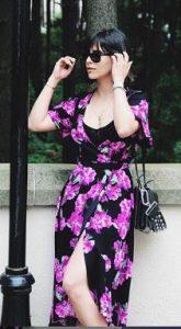 Tuğçe Açıkgöz çiçekli Elbise tercihi
