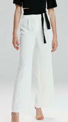 Mine Tugay beyaz pantolon