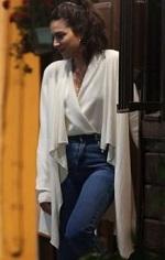 Çarpışma Cemre Beyaz Bluz