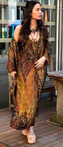 Demet Özdemir elbise