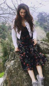 Burcu Özberk elbise modeli