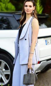 Benim Tatlı Yalanım Hande elbise markası