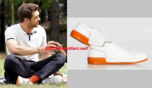 Her Yerde Sen Demir beyaz ayakkabı