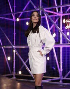 O Ses Türkiye Saadet Beyaz elbise markası