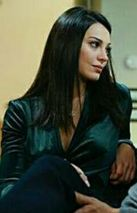 Yasak Elma Leyla yeşil elbise