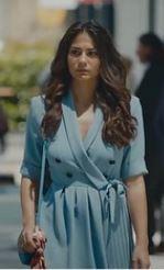 Demet Özdemir mavi elbise