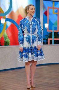 Gel Konuşalım Cansu mavi elbisesi
