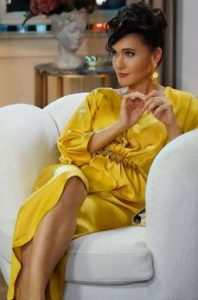 Yasak Elma Ender sarı elbise